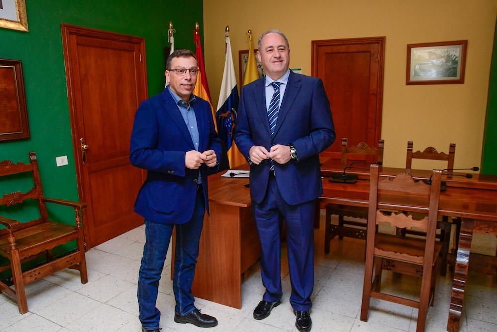 VISITA CONSEJERO DE DEPORTES Y ALCALDE DE VALSEQUILLO