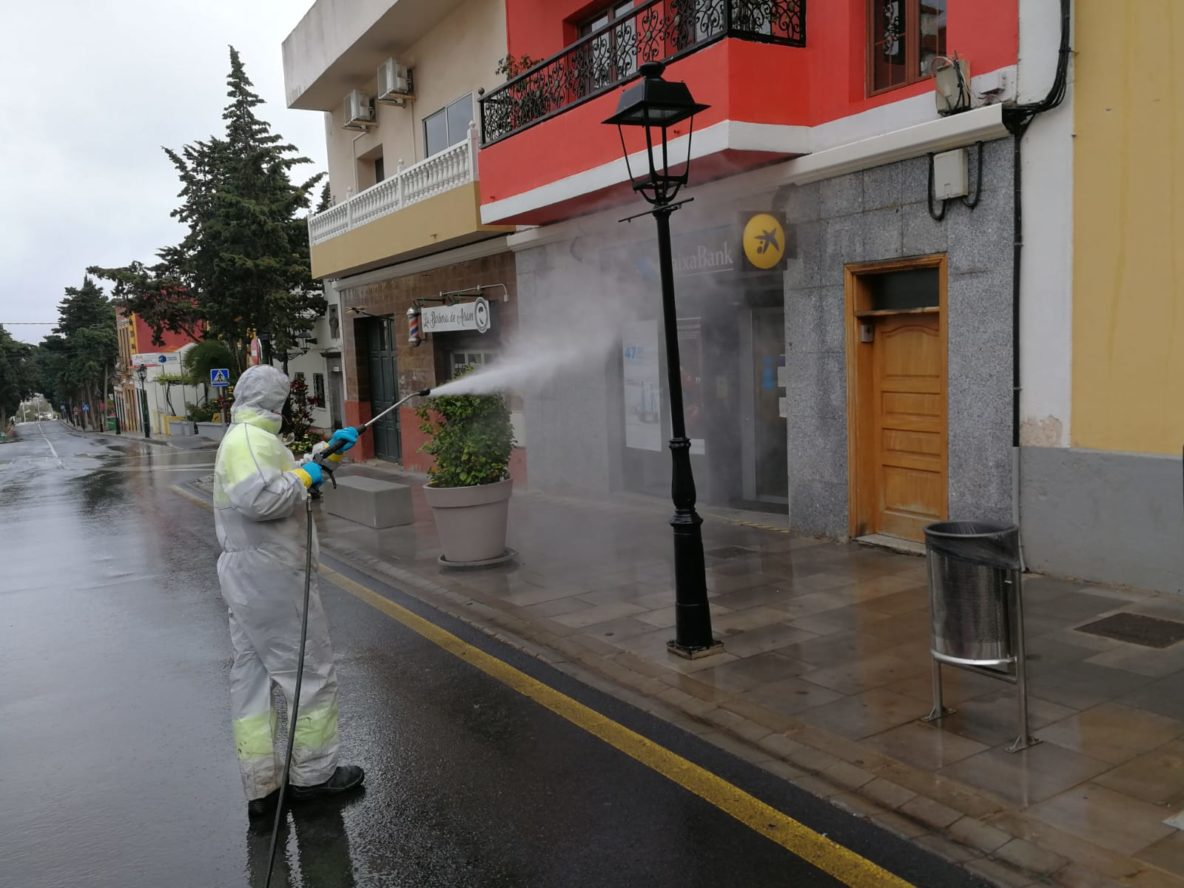 Fotos trabajos desinfección en Valsequillo