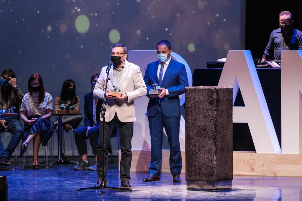 El Alcalde recibe el premio