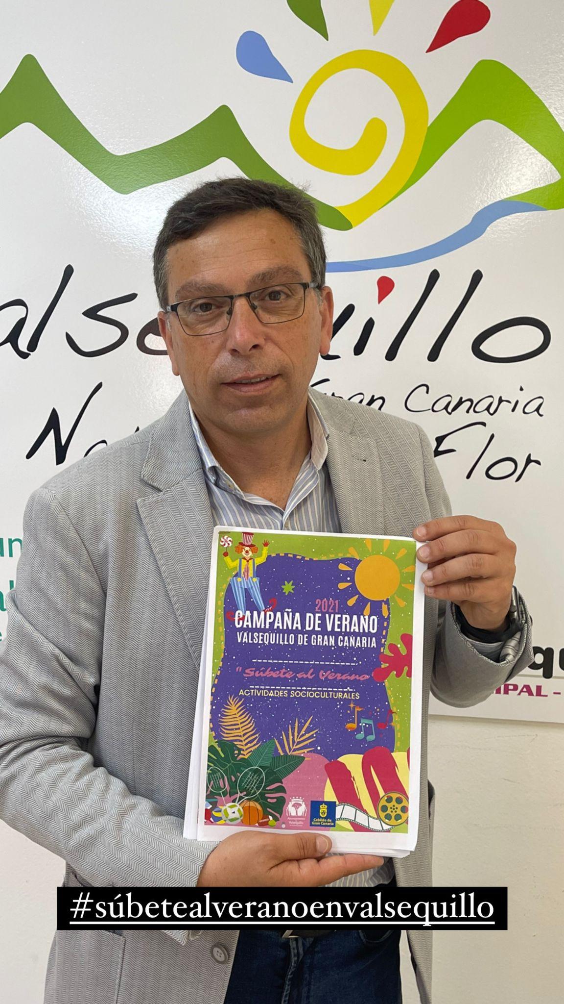 Alcalde presenta el programa de la campaña de verano 2021